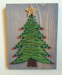 Christmas tree string art - Order from KiwiStrings on Etsy! ( www.KiwiStrings.etsy.com )