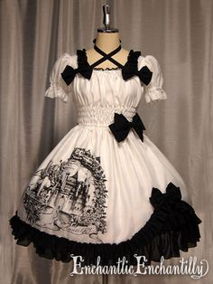 un chateau secret robe(white x black)