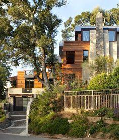 Eco-Friendly Hillside House || California www.mybiscoto.com