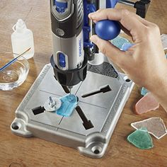 When grinding, polishing or sanding, the Dremel Workstation tool holder prevents slippage by keeping tools perfectly alignedDremel Rotary Tool Workstation Drill Press Work Station with Wrench - Best Online Shopping Deals Today in USAThe Dremel Workstation Dremel Werkzeugprojekte, Dremel Carving, Dremel Rotary Tool, Dremel 4000, Wood Carving, Dremel Workstation, Dremel Tool Projects, Dremel Ideas, Dremel Tool Accessories