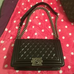 Le Boy handbag Medium size  New never used. Very beautiful bag. Please don't ask the obvious.  A++real leatger I'm willing to sell in Merc?ri app.  Thank you! Bags Crossbody Bags