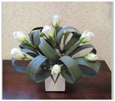 1 million+ Stunning Free Images to Use Anywhere Altar Flowers, Church Flower Arrangements, Ikebana Arrangements, Church Flowers, Table Flowers, Floral Arrangements, Paper Flowers, Deco Floral, Arte Floral