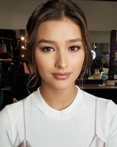 Liza Soberano Love the subtle make-up yet you see Liza's features beautifully defined ♡ makeup by @jonathanvelasco__ #LizaSoberano for #ASAPUnited styled by @perrytabora #hairbyjaywee Thank you Ate Joni and @mickeysee