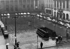 Dundee City Square, January All these motorists were only allowed to park long enough to pay their road tax, then they had to drive off and find another spot somewhere. Dundee City, Nostalgic Pictures, Scotland History, Scotland Travel, Old City, Historical Photos, Glasgow, Great Britain, Old Photos