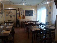 """Sedie e tavoli Pub Ristoranti Pizzerie MAIERON SNC www.mobilificiomaieron.it  - https://www.facebook.com/pages/Arredamenti-Pub-Pizzerie-Ristoranti-Maieron/263620513820232 - 0433775330.  Sedie e tavoli ristorante. Arredo """"Trattoria pizzeria dalla teresa """". Tavoli e sedie venezia cod 3011 in color noce .Produzione Mobilificio maieron arredi pub, arredi bar, arredi ristoranti e arredi pizzerie. #arredoRistorantemaieron #arredoristorante #tavoliesedie  #arredoristorante, #arredopub #sedievenezia"""