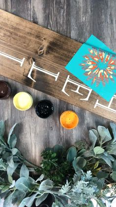 """I am not a painter! I chalk! But check out how easy this was to create! 3 foot """"HELLO"""" Porch Sign with Daises! Diy Home Crafts, Crafts To Make, Chalk Crafts, Wood Crafts, Wood Yard Art, Diy Wood Signs, Fall Wood Signs, Diy Bird Feeder, Graduation Diy"""
