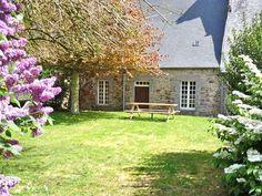 Gite rural Bretagne, Côtes d'Armor à Langoat, situé au rez-de-chaussée d'un manoir du 16è siècle