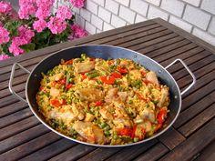 Meatball Recipes, Chicken Recipes, Paella, Bacon Carbonara, Grape Jelly Meatballs, Grape Recipes, Shrimp Ceviche, Hungarian Recipes, Hungarian Food