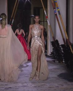 Zuhair Murad Look Spring Summer 2018 Couture Collection Gorgeous Embroidered Beige Halter Slit Sheath Evening Maxi Dress / Evening Gown with Open Back and a Train. Couture Spring Summer 2018 Collection Runway by Zuhair Murad Haute Couture Dresses, Couture Mode, Couture Fashion, Evening Dresses, Prom Dresses, Summer Dresses, Formal Dresses, Formal Outfits, Prom Dress Shopping