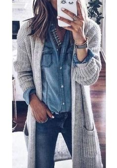 Kleidung long sweaters What are the most popular wedding favors? Outfits With Grey Cardigan, Grey Sweater Outfit, Winter Cardigan Outfit, Long Grey Cardigan, Long Sweater Outfits, Long Sweaters, Sweater Cardigan, Casual Outfits, Jean Shirt Outfits