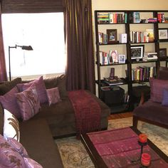 Living Room Decor On A Budget, Eclectic Living Room, Living Room Orange, New Living Room, India Decor, Brown Decor, Moroccan Interiors, Apartment Styles, Apartment Ideas