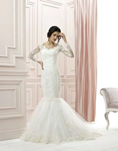 Model : FSDT-32 Price USD 1,500 Material : Lace and Tulle