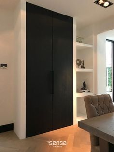 Home Decorators Lighting Collection Kitchen Interior, Interior Design Living Room, Interior Doors, Interior Design Website, Black And White Interior, Built In Shelves, Black Walls, Small Living Rooms, Home Kitchens