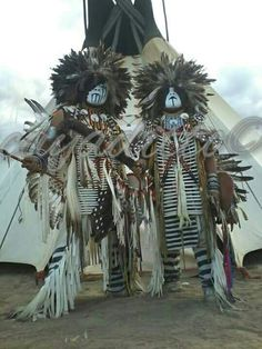 Native American Dress, Native American Warrior, Native American Pictures, Native American Regalia, Native American Beauty, American Indian Art, Native American History, Native Indian, Native Art