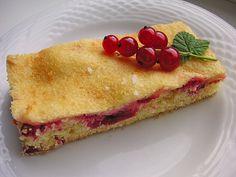 Johannisbeerkuchen mit Saure - Sahne - Guss vom Blech, ein gutes Rezept aus der Kategorie Kuchen. Bewertungen: 30. Durchschnitt: Ø 4,3.
