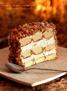 Tiramisu s karamelizovanými orechmi Kulinárske recepty Laura Adamache Caramelized Walnuts, Cheesecake, Recipe Images, Sweets Recipes, Let Them Eat Cake, Baked Goods, Bakery, Good Food, Food And Drink