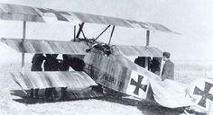 O triplano Fokker DR1 foi o avião mais apreciado pelo Barão Vermelho devido a sua enorme agilidade (Domínio Público)