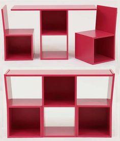Este conjunto de móveis é funcional. Juntas, a mesa e as duas cadeiras formam uma cômoda. Feita de madeira certificada, mede 110 cm x 35 cm x 65 cm. Vale R$ 3.334, na Q Quartos.