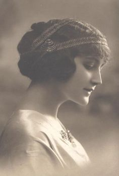 Magic Moonlight Free Images: Beautiful Faces in Sepia tone! Free images for you!