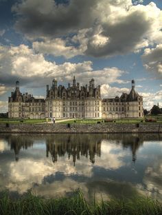 Architecture - On the route to Domaine des Hauts de Loire, Château de Chambord. Built in the century, the Château de Chambord is the jewel in the Loire Valley's crown. Beautiful Castles, Beautiful Buildings, Beautiful Places, Places To Travel, Places To See, Travel Things, Belle France, Kirchen, France Travel