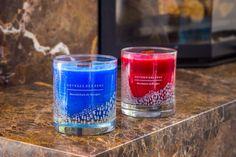 Świece zapachowe, ręcznie produkowane we francuskiej manufakturze Aigues Mortes.
