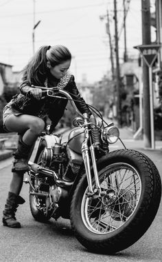 Sexy girls on motorcycles foxy