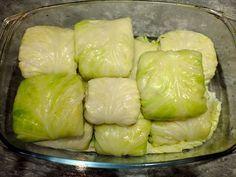 Są rewelacyjne, w pierwszy dzień po uduszeniu jak i na drugi, odsmażone na masełku. Idealnie sprawdzi się do nich sos pieczarkowy , tradycyj... Vegetarian Recipes, Healthy Recipes, Polish Recipes, Slow Food, Food Dishes, Cabbage, Bbq, Recipies, Food And Drink