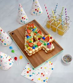 Number Cake Ideas That Will Make You Drool Number 4 Cake, Number Birthday Cakes, Pig Birthday Cakes, 4th Birthday, Pretty Cakes, Beautiful Cakes, Elegante Desserts, Diy Cake, Cakes For Boys