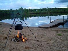 Buitenkoken op een Zweeds strandje bij een meer