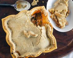 Save the Lamprey Seitan & Ale Pie (Vegetarian/Vegan Feast Option) Vegetarian Protein Sources, Vegetarian Cooking, Thyme Recipes, Vegan Recipes, Ale Pie, Ancient Recipes, Pub Food, Vegan Main Dishes, Seitan