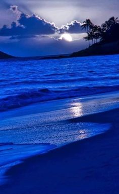 Blue Hours | Very cool photo blog