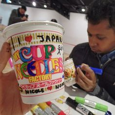 Cup noodles are my guiltiest pleasure. When I first moved to Korea, I ate so many and had to wheen myself off them. Here, we have full aisles in the supermarket dedicated to them. I loved the cup ramen museum in Osaka because I could decorate my own cup... it's too cute to eat, though! 💕🍲 (Veeran is a much more dilligent art student than me- I canny colour in the lines 😂) . . . #osakajapan #osakafood #japangram #japantravel #ig_japan