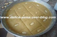 Les cornets aux grains de sésames - delice d asma Ramadan, Hamburger, Grains, Pudding, Bread, Fruit, Breakfast, Desserts, Recipe
