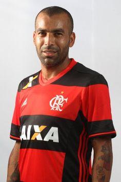 Emerson Sheik pelo Flamengo:  73 Jogos Oficiais 21 Gols 4 Assistências  No Brasileirão 2016:  5 Jogos 1 Assistência 1 Cartão Amarelo