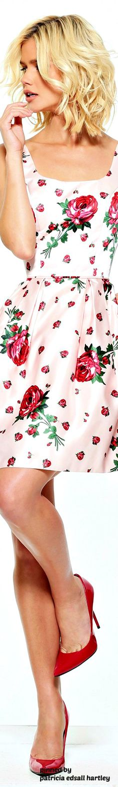 Floral Style, Floral Tops, Floral Prints, Fashion 2017, Spring Fashion, Street Fashion, Pretty Outfits, Cool Outfits, Pretty Clothes
