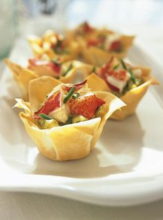 Ricardo& recipe : Lobster and Avocado Bites Finger Food Appetizers, Appetizers For Party, Appetizer Recipes, Shrimp Appetizers, No Salt Recipes, Great Recipes, Favorite Recipes, Cooking Time, Cooking Recipes