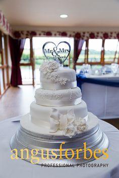 Spynie palace wedding cakes