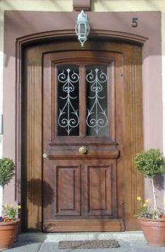 Offene haustür  antike Haustür Holztür Eingangstür alte Tür mit Türrahmen ...