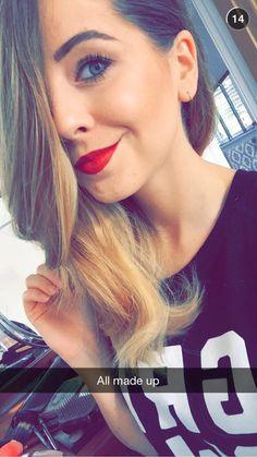 ~Zoe's eyebrows on fleek~ Zoella Makeup, Zoella Hair, Zoella Beauty, Medium Blonde Hair, Youtube Sensation, Zoe Sugg, Joey Graceffa, Eyebrows On Fleek