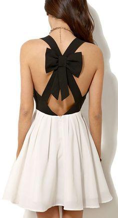 vestido black&white con moño en espalda.