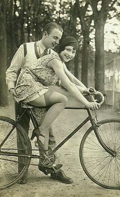Cute couple vintage bike beach cruiser bicycle