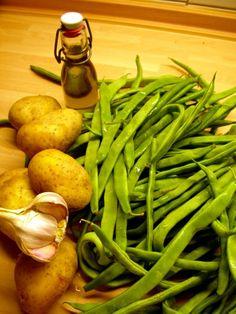 Vorspeisenplatte » Blog Archive » Breite Bohnen mit Kartoffeln(oder: Doña Augustinas Abendbrot)