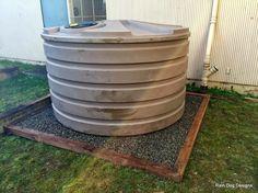 1110 gallon tank and base