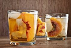 Peach Ginger Crisp Cocktail @ makefor365.com