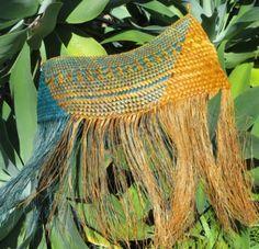 All Flax – Maori flax weaving Flax Weaving, Weaving Art, Sisal, Maori Patterns, Flax Flowers, Maori Designs, Weaving Techniques, Crochet Top, Traditional