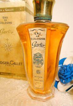 Botella de perfume francés antiguo década de 1930 las por danycoty                                                                                                                                                                                 Más