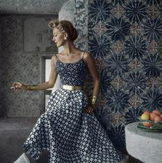 Mode Vintage, Vintage Vogue, Vintage Style, 1950s Style, Vogue Magazin, Vintage Dresses, Vintage Outfits, Vintage Clothing, Fifties Fashion