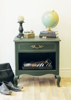 Masculine Bedside Table by Cdn Home Trends Magazine!