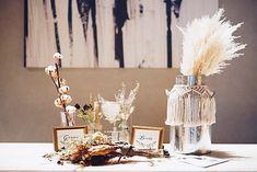"mir.trunk on Instagram: ""🍂🍂🍂 . #受付 #受付スペース . 披露宴会場はMORI🌳 . 全て持ち込みました🐏🌾 挙式で使ったパンパスブーケも一緒に♡ . 💐@yellowbird_wedding 🕯@hemii.wedding . . #trunkhotel #trunkhotelwedding…"" Wedding Decorations, Wedding Ideas, Flower Arrangements, Place Cards, Place Card Holders, Space, Flowers, Instagram, Floor Space"