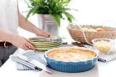 Receta de Quiche cuatro quesos con Thermomix ®, un plato típicamente francés que podrás llevarte al campo, a la playa, en el tupper o a casa de los amigos.